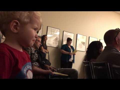 Baby reacts to Moonlight Sonata