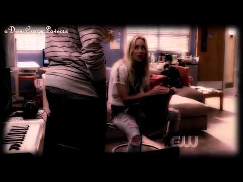 Gillian Zinser as Ivy in 90210! Season 2
