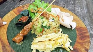 Nasi Goreng Campur in Ubud, Bali ● Balinese Temple Ceremony Experience