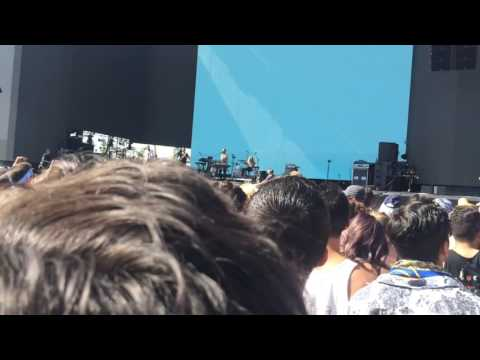 Local Natives- I Saw You Close Your Eyes (Live at Coachella 2017)