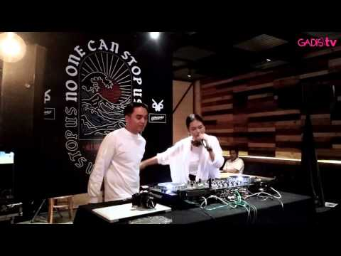 Dipha Barus feat Kallula  No One Can Stop Us