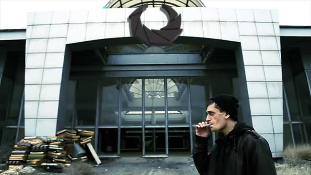 Allame - Bir Dakika (Official Video)