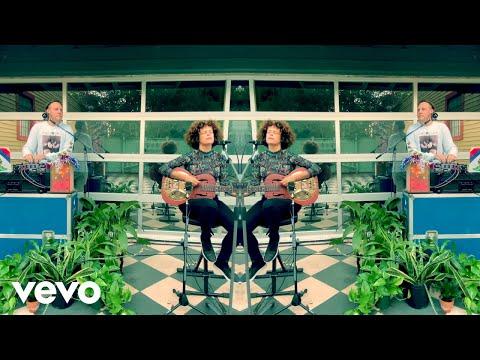 Смотреть клип Arcade Fire - Haiti