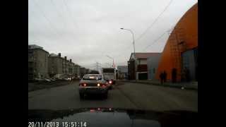 попытка привлечь за пешехода (с 1-55 сек)(после поворота с гагарина на волочаевскую пропустил всех пешеходов, кто переходил по нерегулируемому пере..., 2013-11-20T15:45:18.000Z)