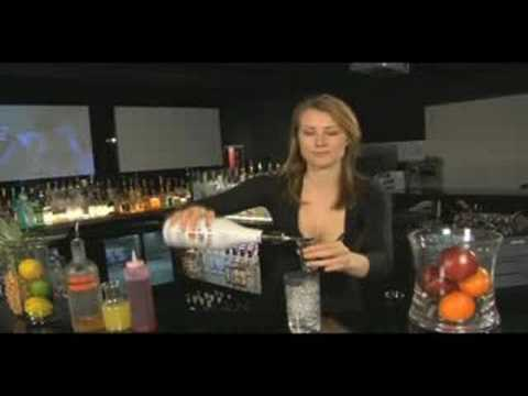 How to make a Hawaiian Sunrise - Girls Mixing Drinks