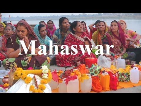 India/Maheshwar (Praying Pilgrims at Narmada River Part 43
