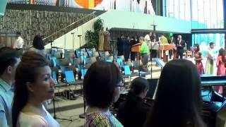 Bé Hiền Dạo Piano - Lắng Nghe Lời Chúa