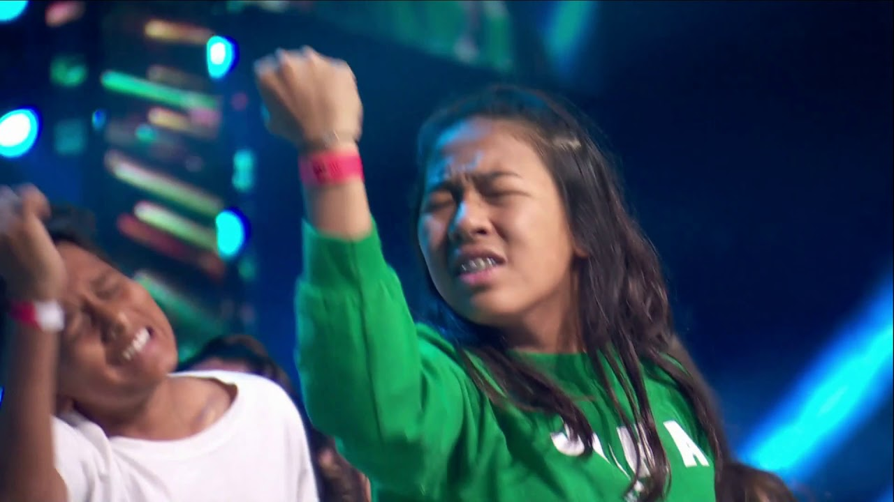 WOW 52 Hip Hop Dancers that believe they can SAVE THE WORLD - WE DAY TORONTO 2018
