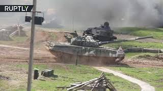 Реконструкция сражения 1942 года и танковый биатлон: под Минском показали военное шоу