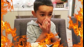 KIDS DO SPICY NOODLE NOODLE CHALLENGE (HILARIOUS)