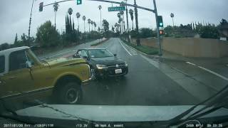 Car Crash, woman runs red light, gets t-boned