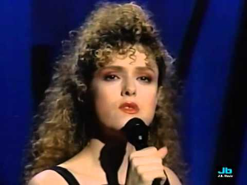 Bernadette Peters  I'm So Lonesome I Could Cry The Tonight