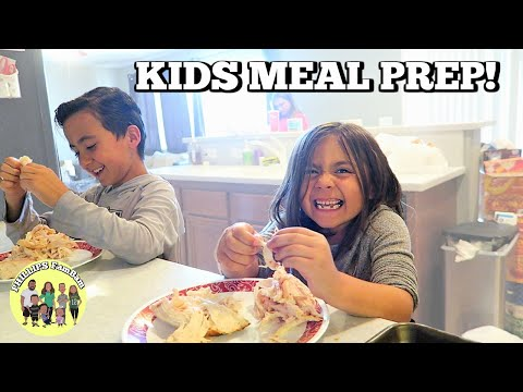 KIDS MEAL PREP DINNER WITH MOM | PHILLIPS FamBam Vlogs