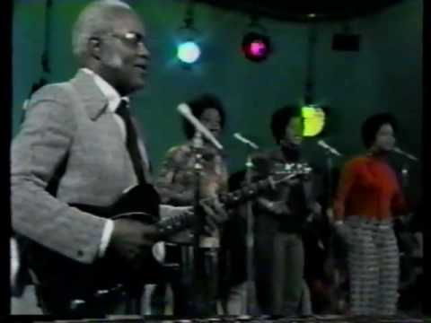 The Staple Singers - I'll Take You There (1972)