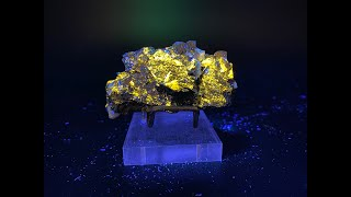Fluorescent Sphalerite with Chalcopyrite and Dolomite Mineral Rocks and Crystals from China