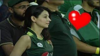इंडिया पाकिस्तान मैच मैं दिखी ये खुबसूरत महिला कोन है - जीत लिया सब का दिल