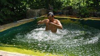 Прыжки в бассейн на даче на дне рождении дедушки Юры