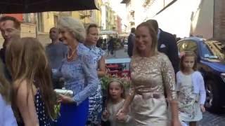 Koninklijke familie (ja ook Máxima) in Parma bij intieme doop prins Carlos