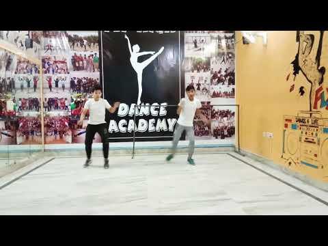 36 Aayengi 36 Jayengi. Dance performance /