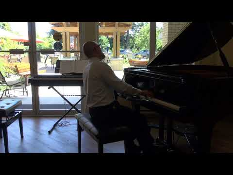 Victor P Performs J.S. Bach's Little Prelude In D Minor