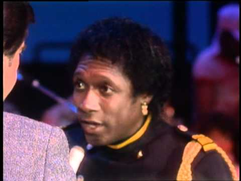 Dick Clark Interviews Commodores - American Bandstand 1985