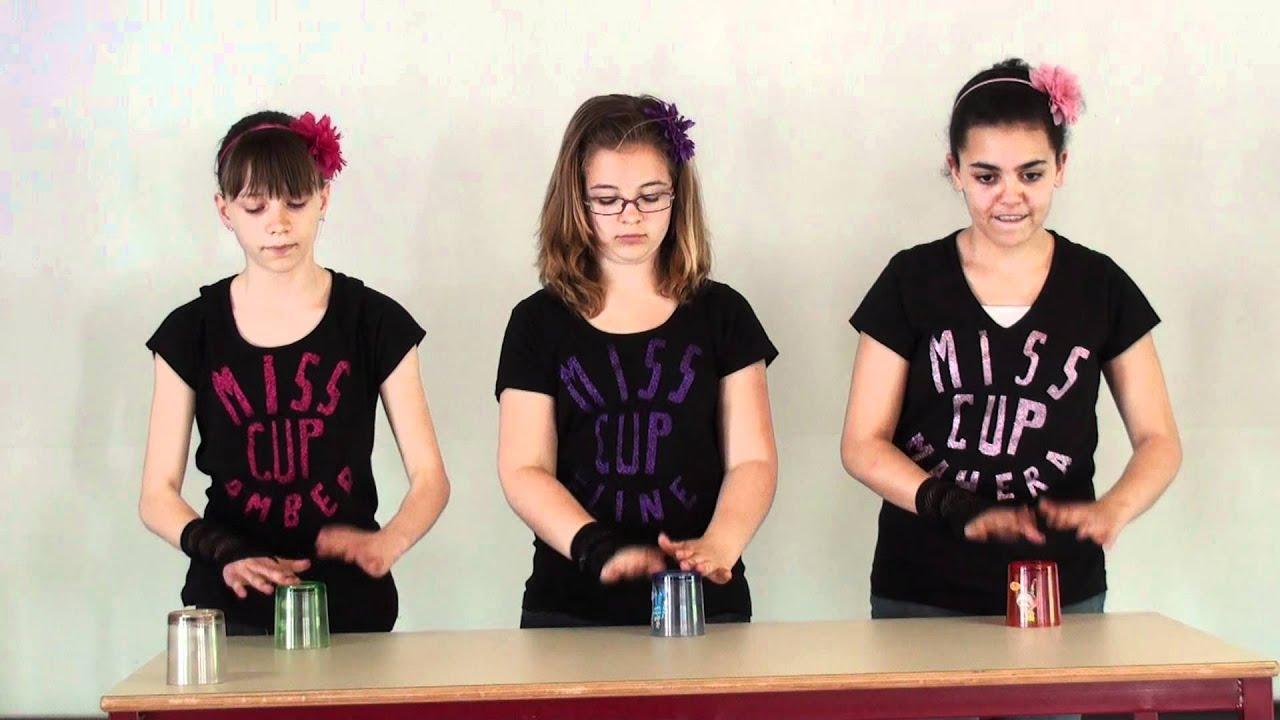 Eline K, Amber W en Mahera M - The Cup Game