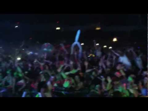 eventvibe.com live at Dayglow San Diego - Valley View Casino Center