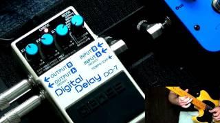İki Amfi ile Stereo BOSS DD-7 Digital Delay Pedalı.