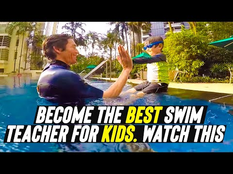 Kid learning how to swim independently