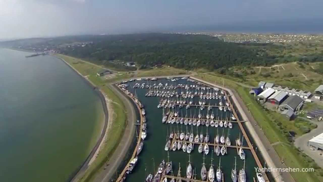 Jachthaven Vlieland and lighthouse - by Yachtfernsehen.com ...