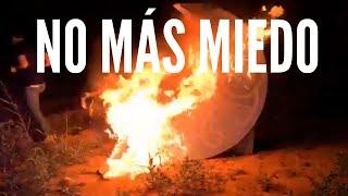 """Alvise Pérez Quema La Media Luna que se Perdonó en las Fallas con el Lema """"No Más Miedo"""""""