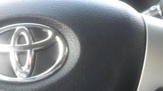 видео Тойота Королла стук в рулевой колонке