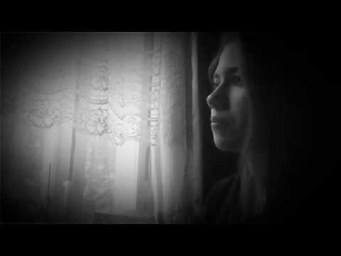 Изображение предпросмотра прочтения – АннаНиколаенко читает произведение «Поэт» И.А.Бунина