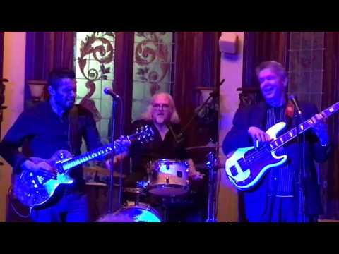 Dennis Gruenling performing at the Lizzie Rose Music Room-Feb 9, 2017