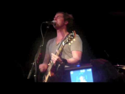 Secondhand Serenade - Stay Close, Don't Go (Live in Greenvile 4.11.2009)