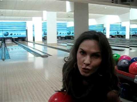 Anna Lesko la bowling - 3 zile pana la GET IT