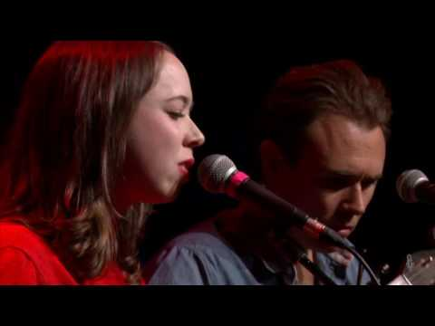 Sarah Jarosz - Lost Dog (eTown webisode #1073)
