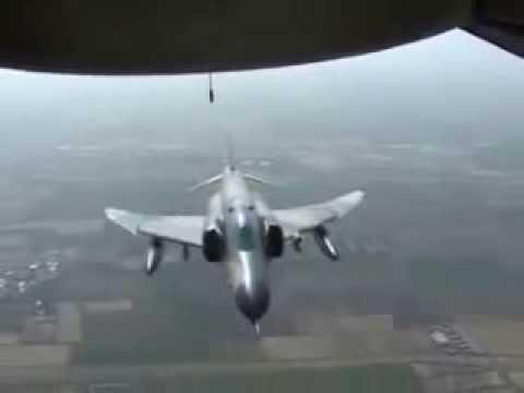 avion militaire filme le crash d 39 un avion de ligne youtube. Black Bedroom Furniture Sets. Home Design Ideas
