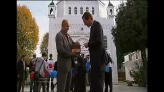 ITV -Young Muslims turn up in force to collect money for the Poppy Appeal.mp4