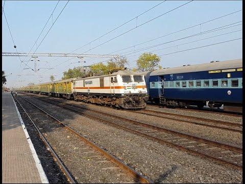 Nagpur Duronto Overtaking Vidarbha Express