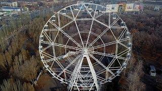 Новое колесо обозрения (высота 55 метров) в парке Гагарина