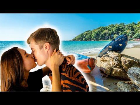 Как двигать языком во время поцелуя?  Вы должны знать эти движения языка наизусть!