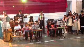 Campanero con Gabriel en el xilofono y Andres en zampoña