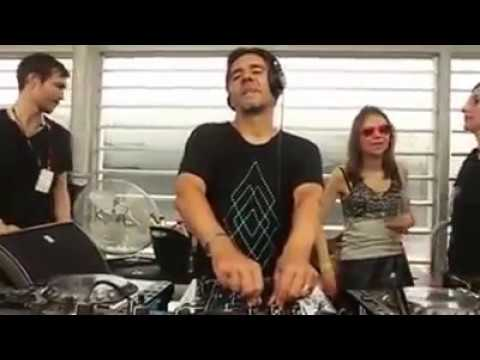 Laurent Garnier plays Domino  Oxia @ Time Warp