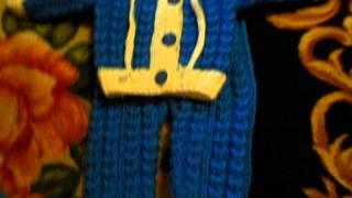 Вязаный костюмчик спицами