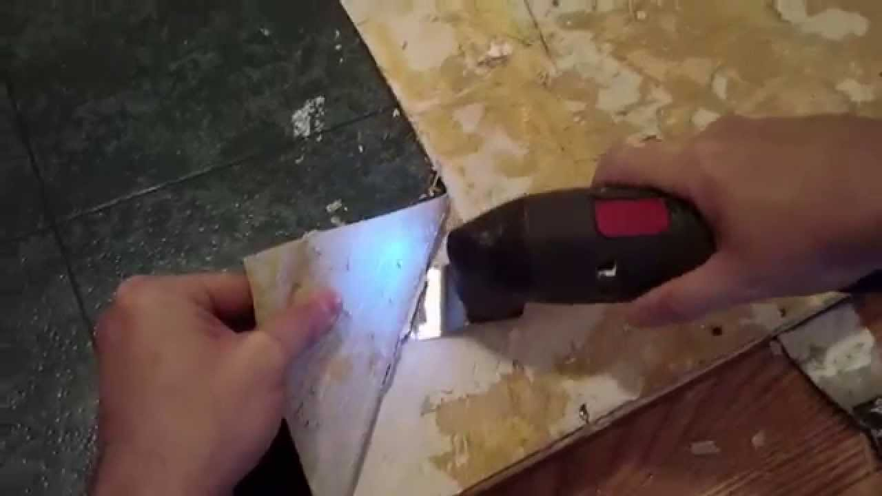 How To Remove Linoleum Or Vinyl Flooring From Wooden Floor