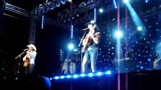Abertura do Show da Dupla Mayck & Lyan em Morrinhos-GO.MPG Video