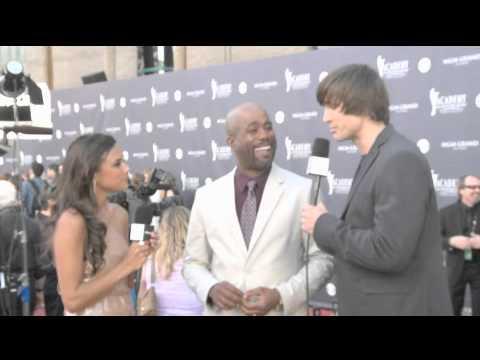 Darius Rucker 02 Red Carpet Interview ACM Awards 2011