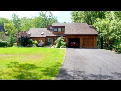 Backyard Scenes - Family Home in Barrie, Ontario, Canada