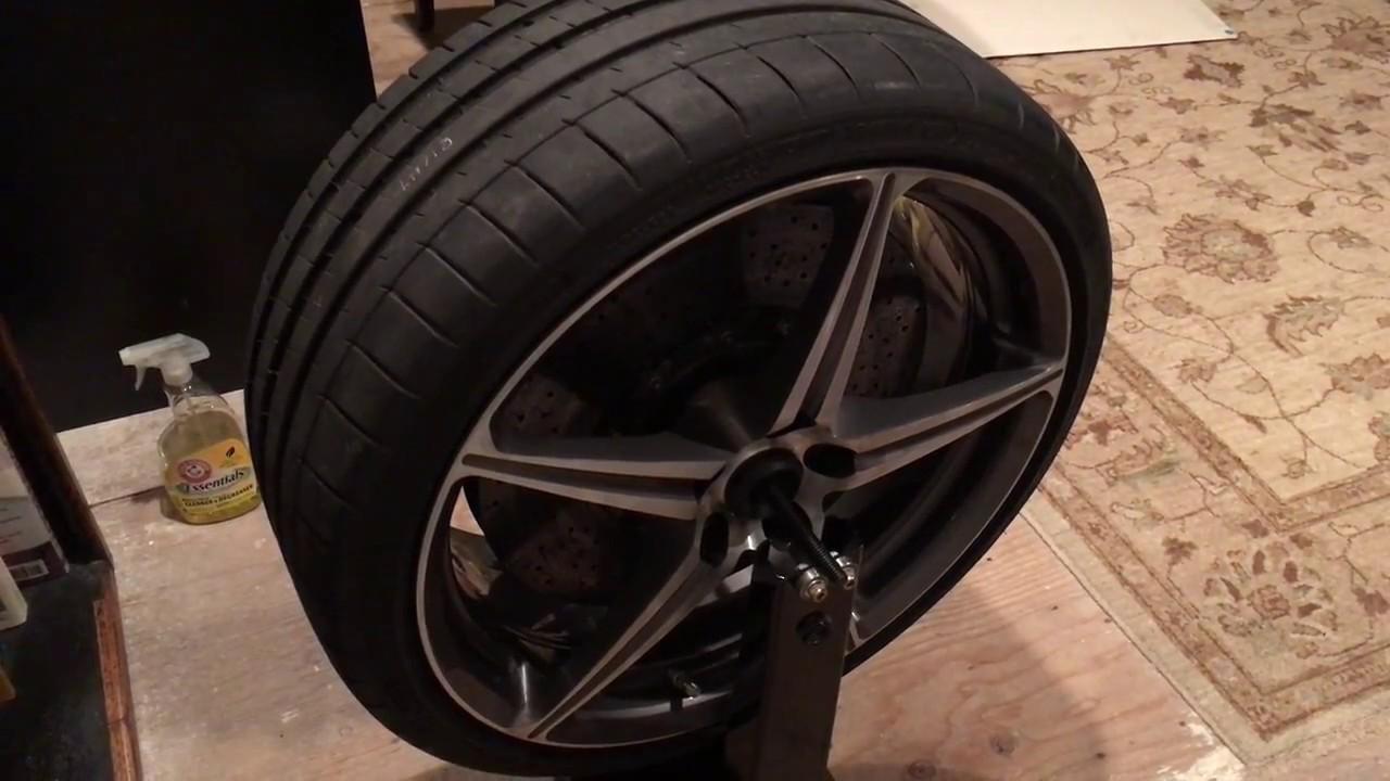 Static Balance On Ferrari 458 Italia Car Tire Using Motorcycle Wheel Balancer